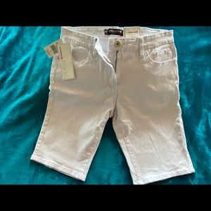 South Pole 30 in waist Men's shorts slim white.